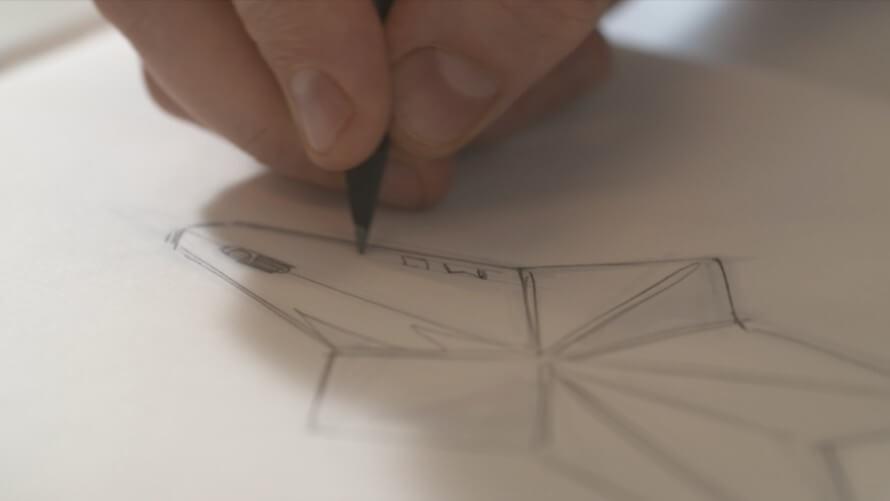 dibujando un boceto del frasco